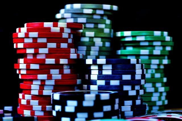 Im Pokerkoffer enthaltene Pokerchips für Home Games